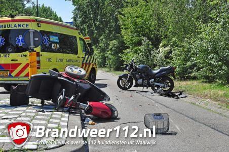 Motorrijder botst tegen scootmobiel aan de Bachlaan Waalwijk