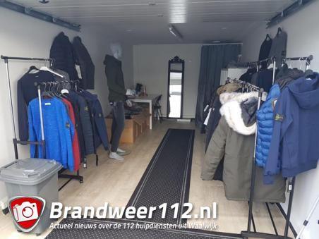 Valse merkkleding en personenauto inbeslag genomen in Waalwijk