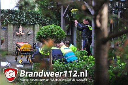 Man zwaargewond na val van dak aan het Maasland Waalwijk