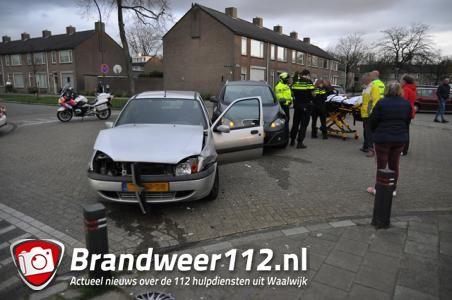 Aanrijding op kruising aan de Prof. Nolenslaan Waalwijk