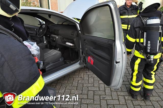 schade aan interieur van auto na brand aan de prof nolenslaan waalwijk