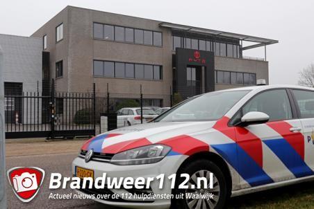 Politie valt binnen bij medicinale wietkweker aan de Veerweg Waalwijk
