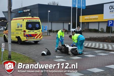 Vrouw gewond door aanrijding in Tuinstraat Waalwijk