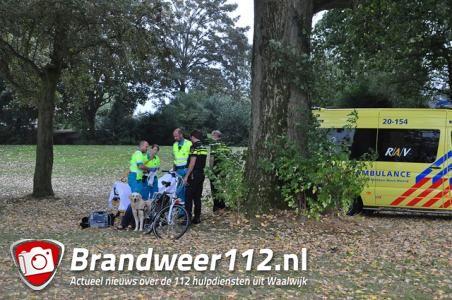 Omstanders vinden man op grasveld aan de Winterdijk Waalwijk