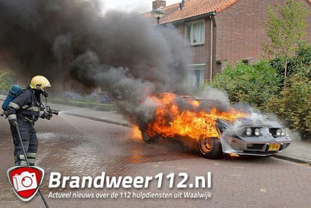 Corvette uit 1978 uitgebrand aan de Molenstraat Waalwijk