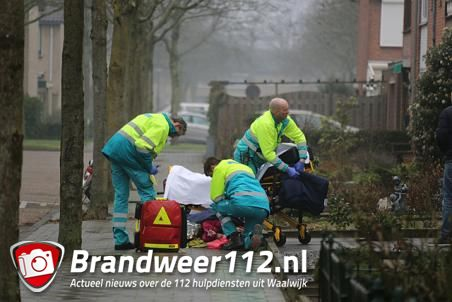 Vrouw raakt gewond door spiegelglad trottoir aan de Wijnruitstraat Waalwijk