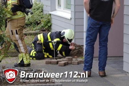 Gaslek in voortuin aan de Burgemeester van Heystlaan Waalwijk
