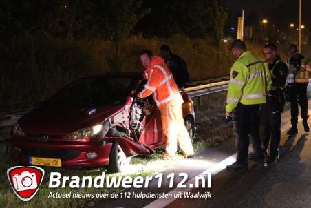 Bestuurder ramt vrachtwagen op de Midden-Brabantweg Waalwijk