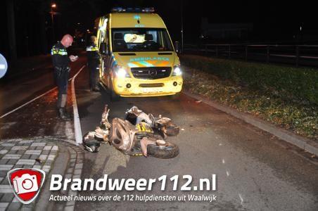 Voorbijgangers vinden gewonde man op straat in Waalwijk