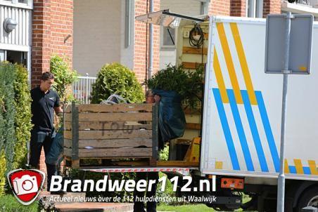 Politie vindt hennepkwekerij in woning aan het Hertog Janpark Waalwijk
