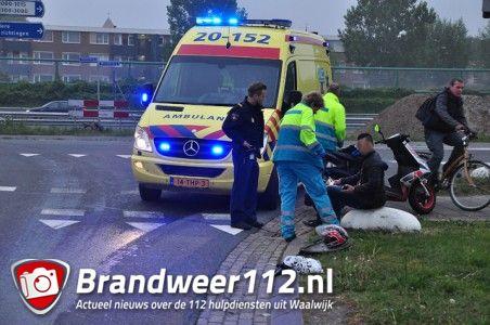 Aanrijding tussen auto en scooter aan de Sluisweg Waalwijk