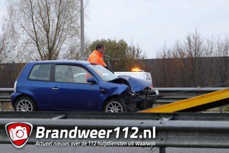 Twee auto's botsen op de A59 (Maasroute) Waalwijk