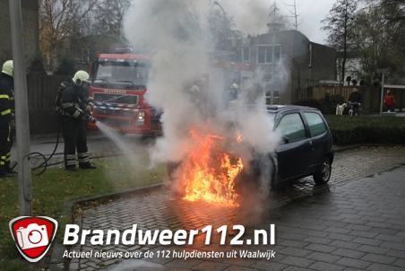 Autobrand aan de Joan Blaeulaan Waalwijk