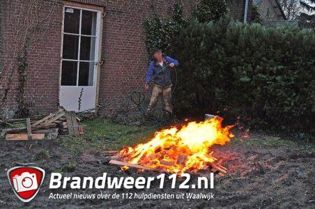 Buitenbrand aan de Burg. Verwielstraat Waalwijk