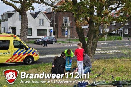 Jongetje valt uit boom aan de Burgemeester van der Klokkenlaan Waalwijk