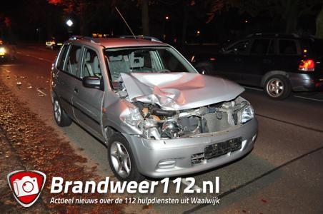 Automobilist botst achterop auto aan de Groenewoudlaan Waalwijk
