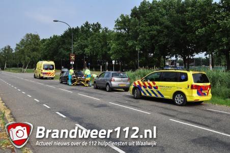Man opgenomen met nekklachten na ongeluk in Waalwijk