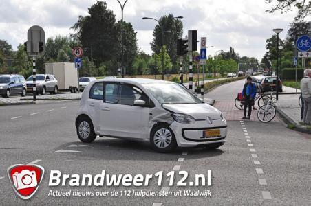 Aanrijding op kruising Putstraat Waalwijk