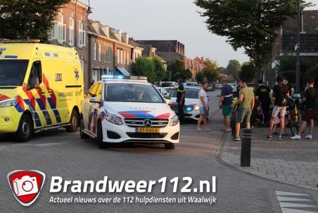 Vrouw botst met snorscooter tegen boom aan Sint Antoniusstraat Waalwijk