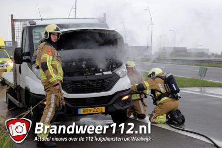 Autobrand op de Midden-Brabantweg Waalwijk