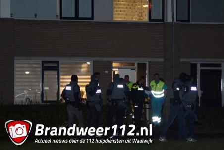 Arrestatieteam doet inval in woning Waalwijk, man (38) aangehouden