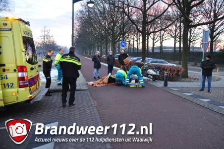 Scooterrijder gewond na aanrijding met fietsster in Waalwijk