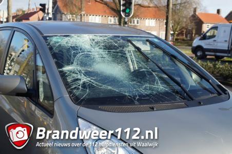 Fietser naar ziekenhuis na aanrijding in Waalwijk