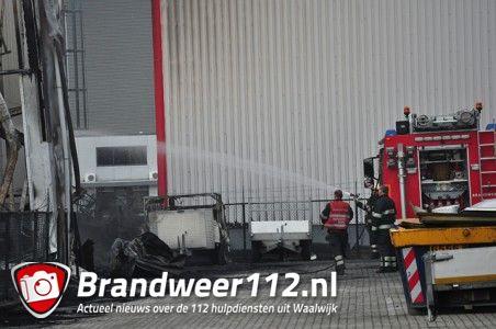 Foto-Update: Vuur laaide weer even op aan de Spuiweg Waalwijk