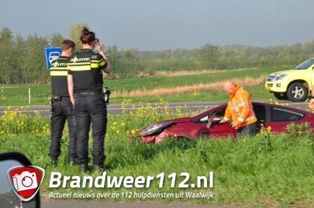 Automobilist verliest macht over het stuur in Waalwijk