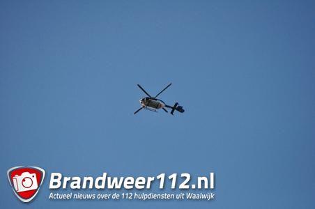Politiehelikopter geruime tijd boven Waalwijk