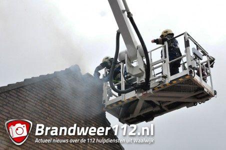 Schoorsteenbrand houdt brandweer lang bezig aan het Hoogeinde Waalwijk