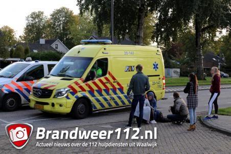 Scooter en auto botsen aan de Blyde Incomstelaan Waalwijk