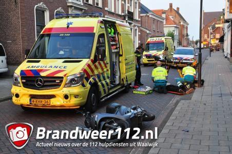 Scooterrijder zwaargewond op Grotestraat in Waalwijk