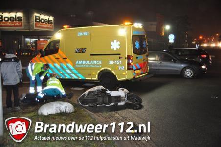 Scooterrijder gewond bij aanrijding in Waalwijk
