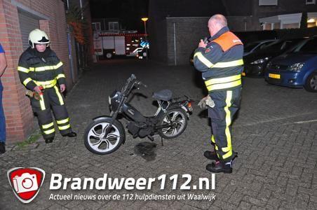 Gestolen brommer in brand gestoken aan de Touwerij Waalwijk