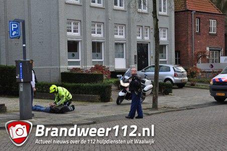 UPDATE: Politie slaat man met vermoedelijk vuurwapen in de boeien aan de Meester van Coothstraat Waalwijk