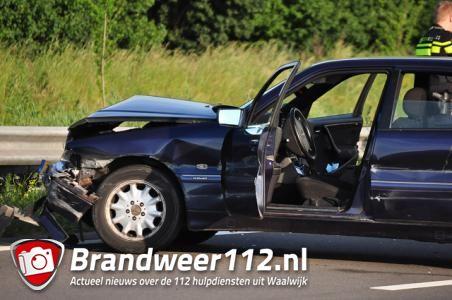 Ongeval tussen drie auto's op de Midden-Brabantweg Waalwijk