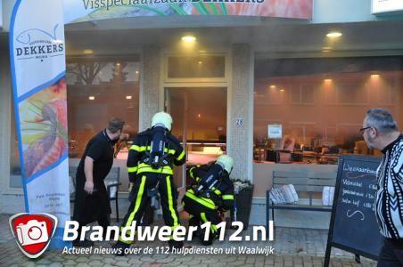 Flinke schade bij viswinkel Dekkers in Waalwijk na brand in bakoven