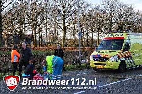 Vrouw valt van fiets aan de Ambrosiusweg Waalwijk