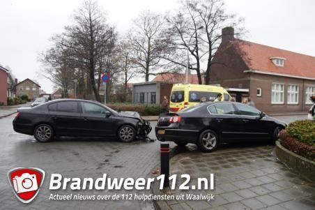 Gewonde gevallen bij botsing tussen twee auto's in Waalwijk