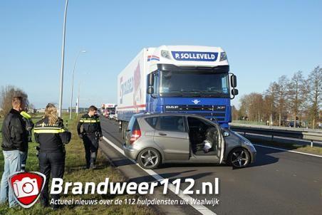 Auto wordt meters meegesleurd door vrachtwagen op Midden-Brabantweg Waalwijk