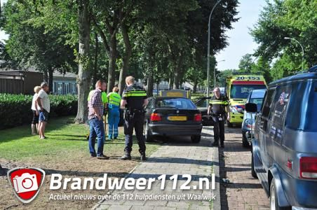 Vrouw wordt onwel tijdens autorijden aan de Beethovenlaan Waalwijk