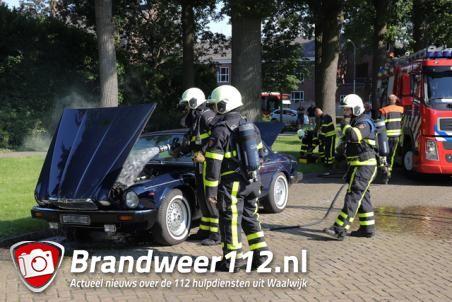 Brandje in auto aan de Van Brederodelaan Waalwijk
