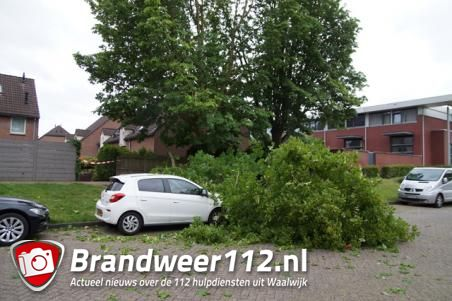 Schade en afgelastingen door harde wind in Brabant