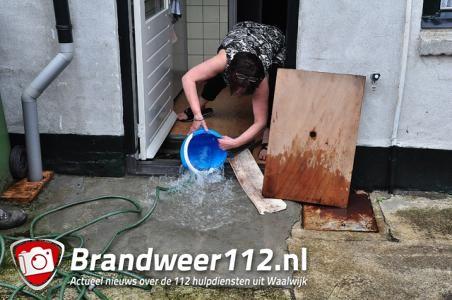Keuken blank door gesprongen hoofdwaterleiding aan het Laageinde Waalwijk