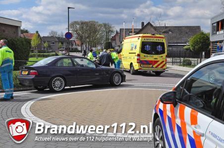 Man raakt gewond na botsing met auto aan de Eerste Zeine Waalwijk
