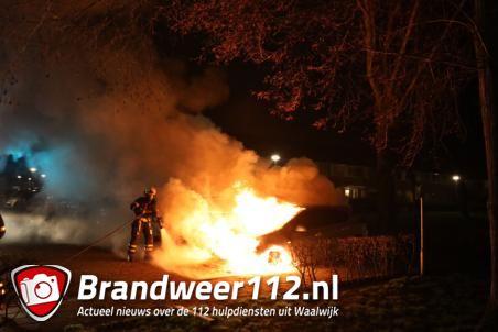 Autobrand aan de Johann Straussstraat Waalwijk