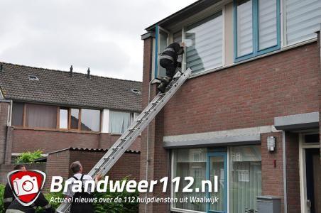 Dreumes sluit moeder buiten aan de Praetoriussingel Waalwijk