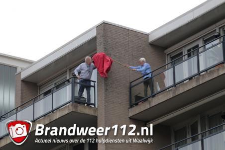 Man staat ruim 1 uur op balkon door buitensluiting aan de Anna van Burenstraat Waalwijk