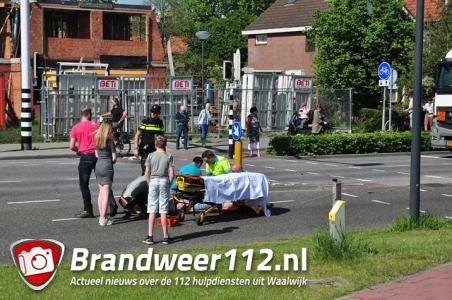 Fietsster gewond na aanrijding met bestelbusje in Waalwijk
